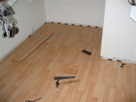 Interlocking Laminate Flooring  Cheap, Easy And Fast