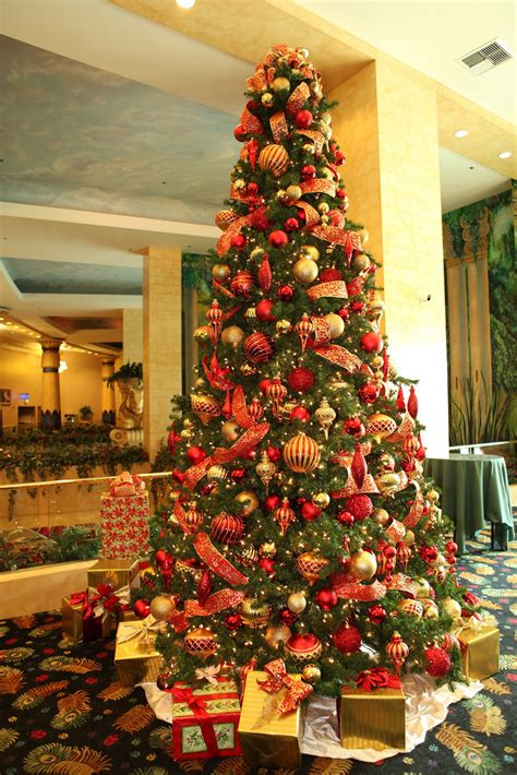 christmas tree decorations and gold red and gold christmas tree red and gold 16ft christmas tr flickr