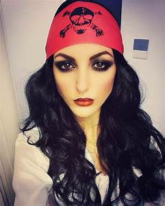 Maquillage Pirate Halloween : image result for pirate wench makeup and hair halloween ~ Nature-et-papiers.com Idées de Décoration