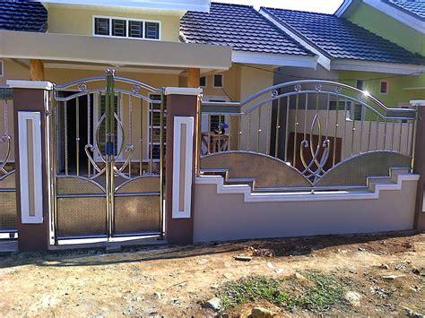 Umpamanya saja pagar dari tembok, pagar besi, pagar dari kayu, pagar dari batu dll. Tips Merawat Pagar Rumah Stainless Agar Tetap Terlihat Mewah | Rumah Minimalis Sederhana