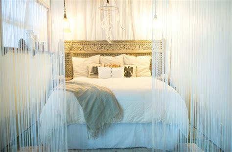deco chambre et taupe fabriquer une tête de lit en bois avec une porte la