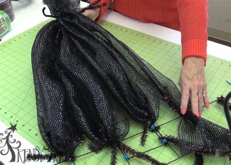 witch hat  legs tutorial halloween mesh wreaths