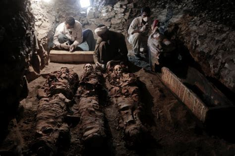 Incredible Discovery Made Inside 3500yearold Egyptian Tomb