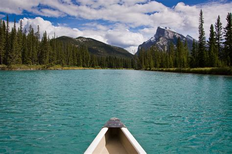 File:Canoeing on the Bow River.jpg - Wikimedia Commons