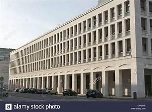 Was Ist Ein Architekt : rationalistische architektur bauen euro rom ina stockfoto bild 51375366 alamy ~ Frokenaadalensverden.com Haus und Dekorationen