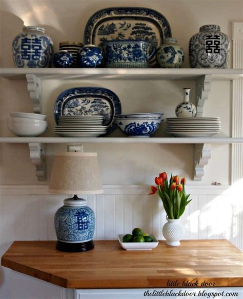 Kitchen Accessories Black And White by 25 Classic White Kitchens With Blue White Accessories