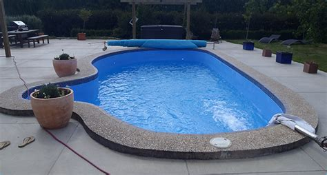 Water Delivery Services For Drinking And Swimming Pools In