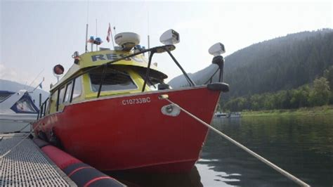 Boat Crash Winnipeg by Of Captain Pulled From Shuswap Lake After Boat Crash