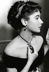 Elizabeth Taylor, beautiful profile of her . Love her ...