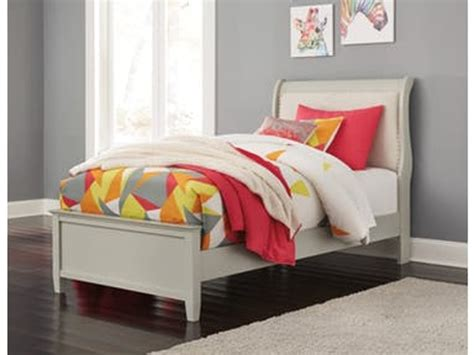 art sample home youth bedroom twin bed