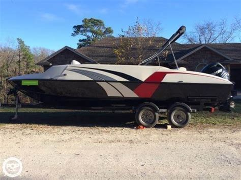 Used Aluminum Fishing Boats For Sale In Missouri by 2014 Used Lowe 21 Sport Deck Aluminum Fishing Boat For