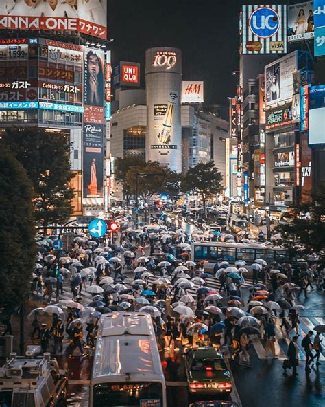 Photographer Captures Busy But Beautiful City Streets ...
