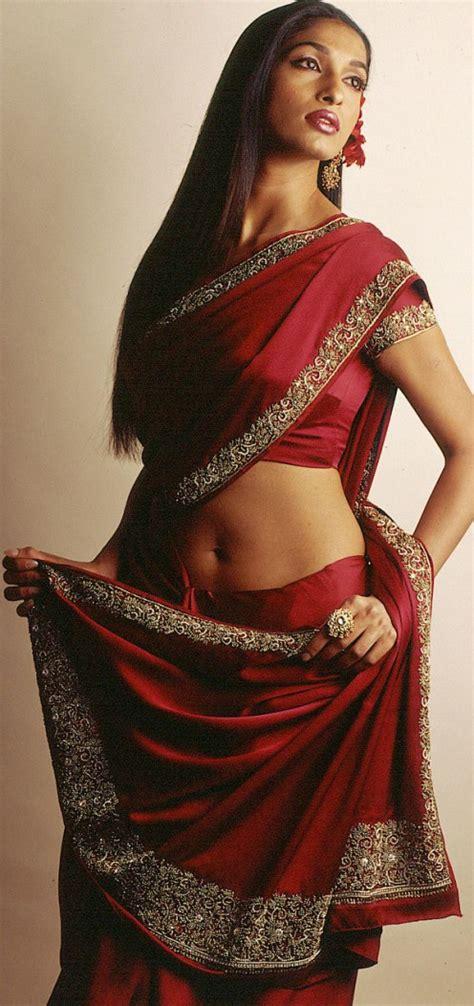 Hot Saree Blouse Navel Show Photos Side View Back Pics