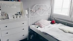 Schöne Bilder Fürs Schlafzimmer : ganz in wei sch ne schlafzimmer einrichtung mit metallbett und kommode ideen f rs wg zimmer ~ Indierocktalk.com Haus und Dekorationen
