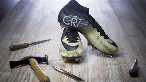 nike gifts christiano ronaldo gold  micro diamond