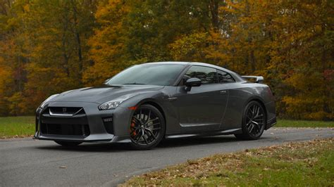 What You Need To Know About The 2018 Nissan Gtr