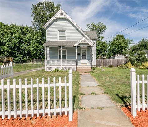 Charming Connecticut Home by New Listing Charming Colonial Home In East Hartford
