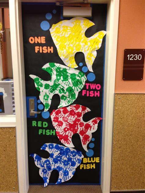 dr seuss door decorating ideas dr seuss birthday door decorating contest one fish