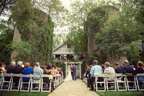 Barn Wedding Ceremony : A Blue Dress Barn Wedding