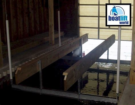 Boat Lift For Pontoon by 6000 Lb Pontoon Boat Lift Boat Lift World