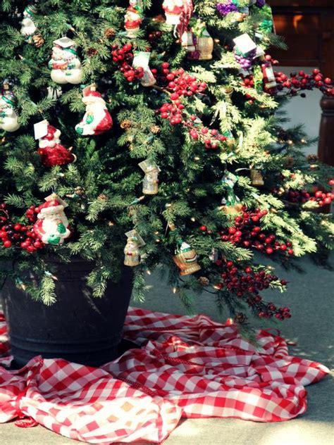 christmas tree skirt   tablecloth diy