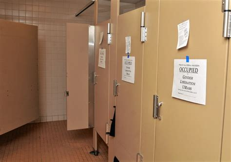 Protestors Demand Genderneutral Bathrooms At Umass By