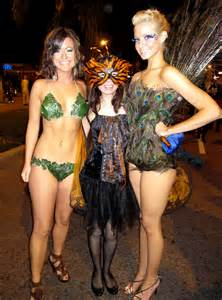 West Hollywood Halloween Parade 2015 by File Tall Halloween Costumers Lily With Girls Jpg