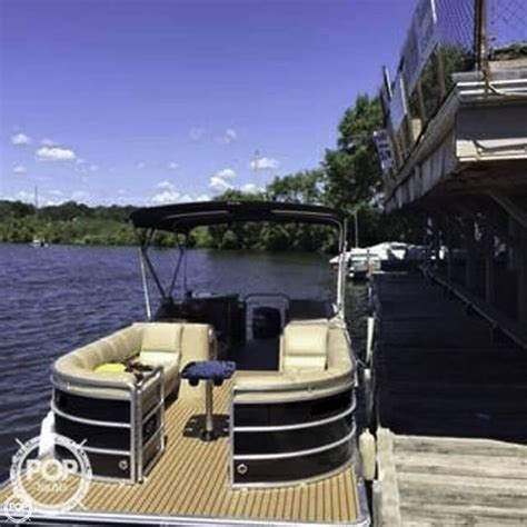 Mini Pontoon Boats For Sale In Florida by 17 Best Ideas About Pontoons For Sale On Pinterest