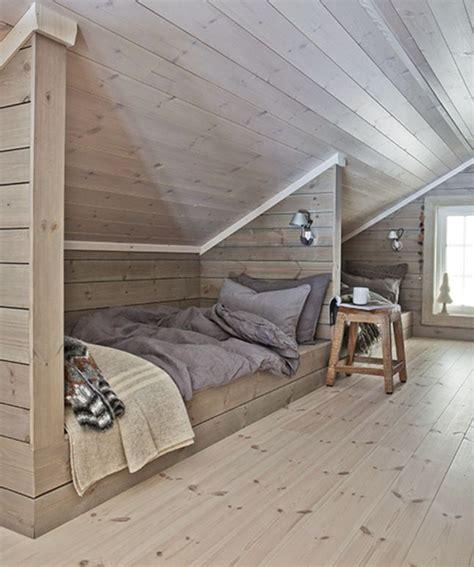 amenagement grenier en chambre les 25 meilleures idées concernant chambres mansardées sur