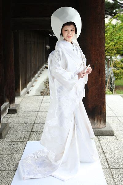 Traditional Japanese Wedding Kimono by อยากใส ช ดแต งงานแบบน Traditional White Shiromuku