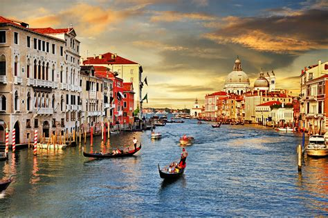 Venice Explore The Canals By Gondola Luxury Yacht Charter