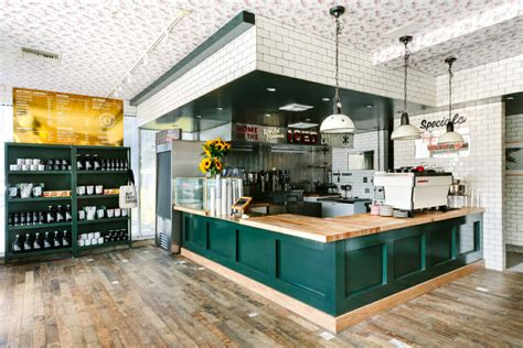 The santa cruz based roasters have quickly expanded to the palm tree lined streets of los angeles. Fashion-Faved Café Alfred Coffee Brings Old-School Soda Shop Vibes to Beverly Hills - Uncover ...