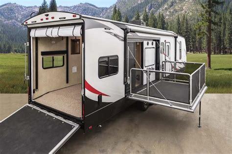 2017 stryker 3212 travel trailer hauler side patio 12