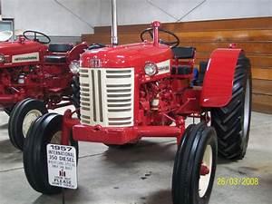 1958 350 International Hi Utility Tractor