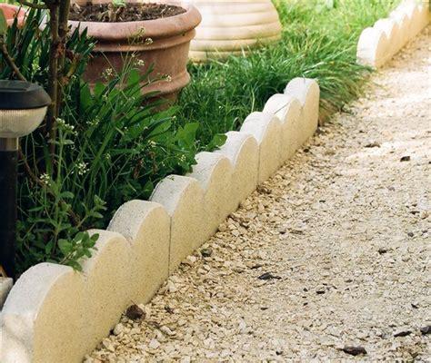 bordure jardin beton comment r 233 aliser des bordures de jardin solides bricobistro