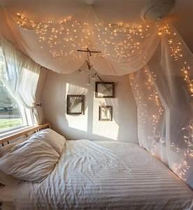 Guirlande Lumineuse Interieur : decoration chambre avec guirlande lumineuse ~ Teatrodelosmanantiales.com Idées de Décoration