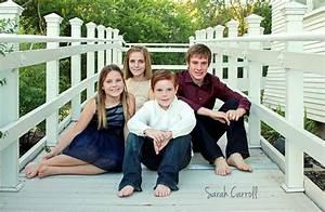 Four siblings - older siblings poses - group of 4 kids ...