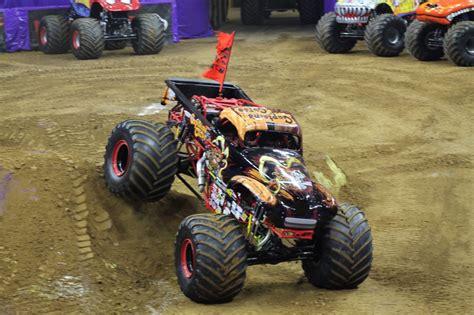 monster truck show in philadelphia family night out monster jam photo recap monster jam