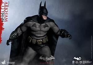 Hot Toys' Batman: Arkham City Sixth Scale – Plastic and Plush