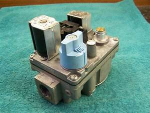 White Rodgers Gas Valve 36e93 301 Carrier Ef32cw183 301273