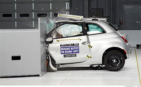 crash test siege auto 2014 small cars get crushed in crash tests jan 22 2014