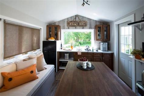 Tv Shows Cram Big-time Designs Into Small Spaces