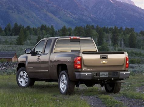 chevrolet silverado  extended cab specifications