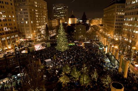Downtown Portland Lights Pioneer Square In Downtown. SaveEnlarge · Portland  Condos Christmas Trees Portland Condos - Pioneer Square Christmas Tree Lighting - Democraciaejustica