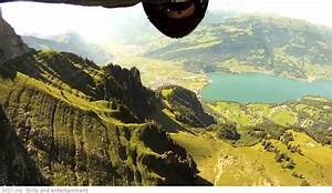 Jeb Corliss - wingsuit flying