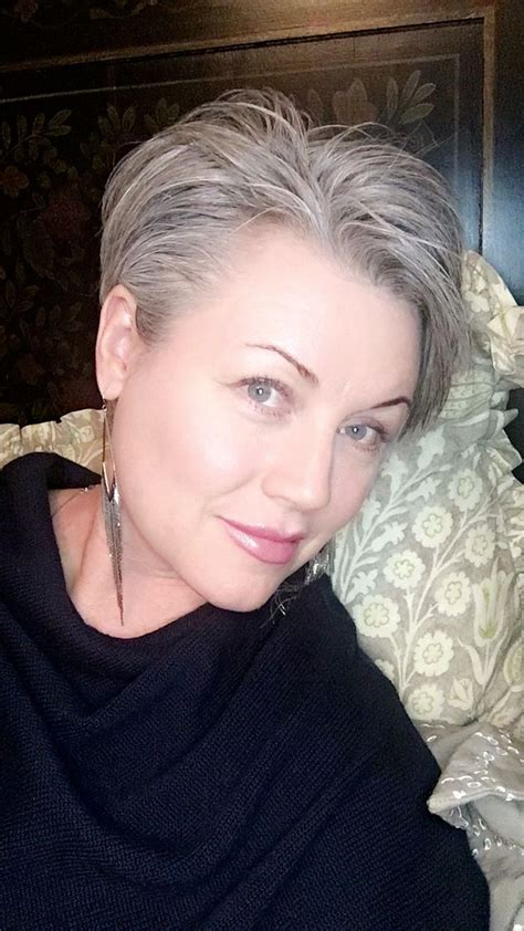 Pixie Hairstyles For Grey Hair by Pixiecut Shortgrayhair I Tried Just Pushing It All