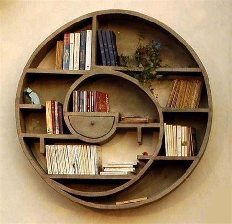 libreria spirale libreria circolare a spirale in legno oggetti design