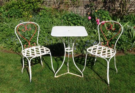 bistro set in from the vintage garden company