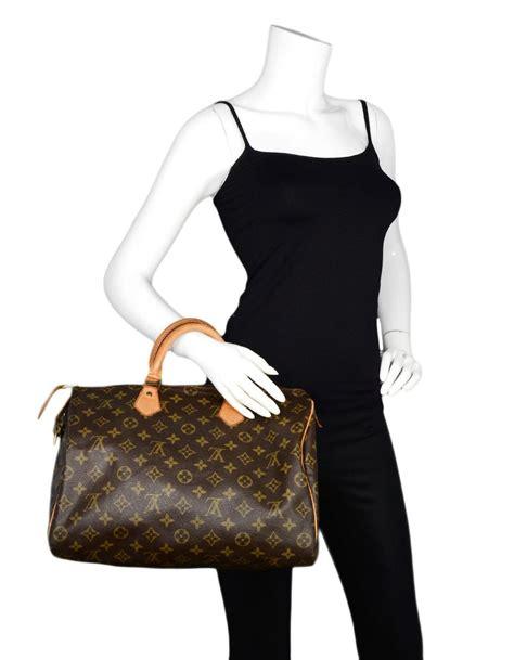 louis vuitton vtg  lv monogram canvas speedy  top handle bag  lock  key  sale