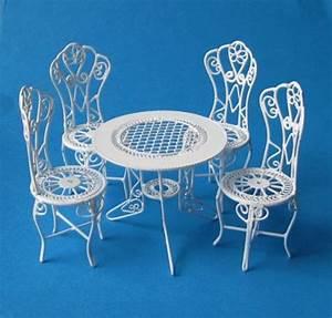 Gartenmöbel Tisch Metall : puppenhaus gartenm bel set tisch 4 st hle metall miniaturen 1 12 ~ Markanthonyermac.com Haus und Dekorationen